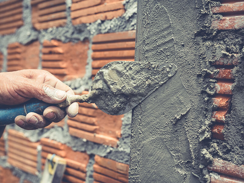 Things to check before hiring a builder